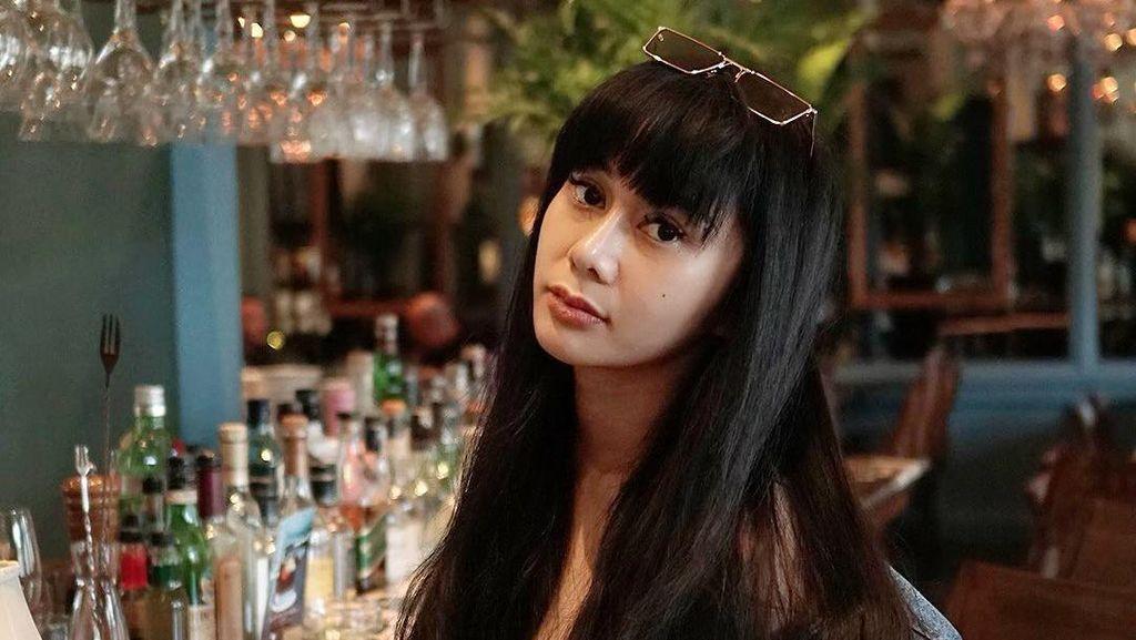 Denise Chariesta Saat Makan di Kafe Mewah hingga Penjual Kaki Lima