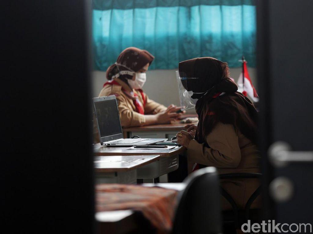 Corona Melonjak, DKI Kemungkinan Tunda Pembelajaran New Normal 15 Juli