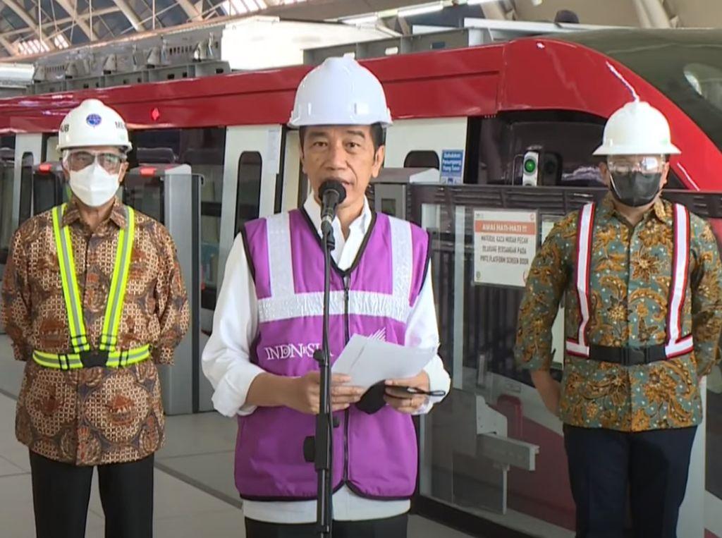 Jokowi: Progres Perkembangan LRT Jabodebek Sudah 84,7 Persen