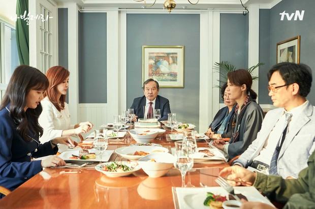 Keluarga Sim Deok-chul saat merayakan ulang tahun ke-70