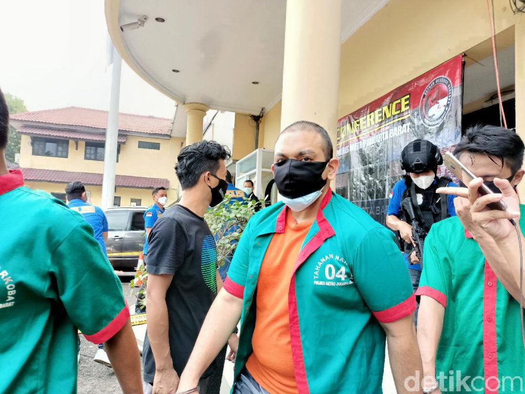 Polisi Ungkap Motif Pemilik Kebun Ganja Hidroponik di Brebes