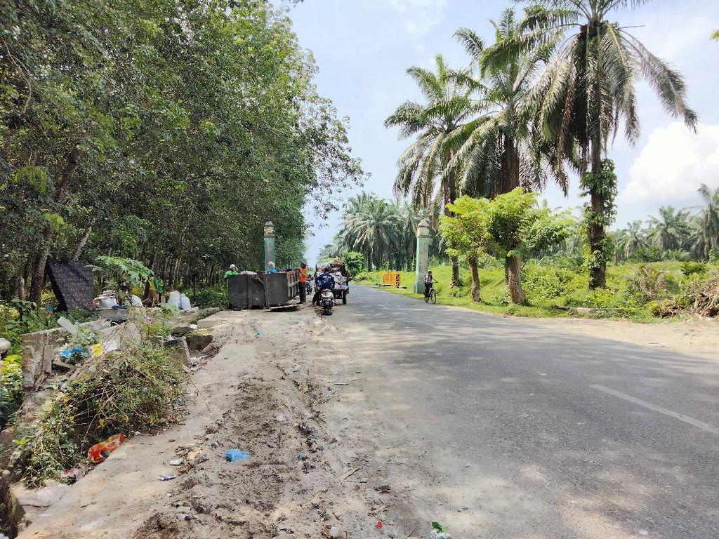 Tumpukan Sampah Mengular di Pinggir Jalanan Asahan Mulai Berkurang