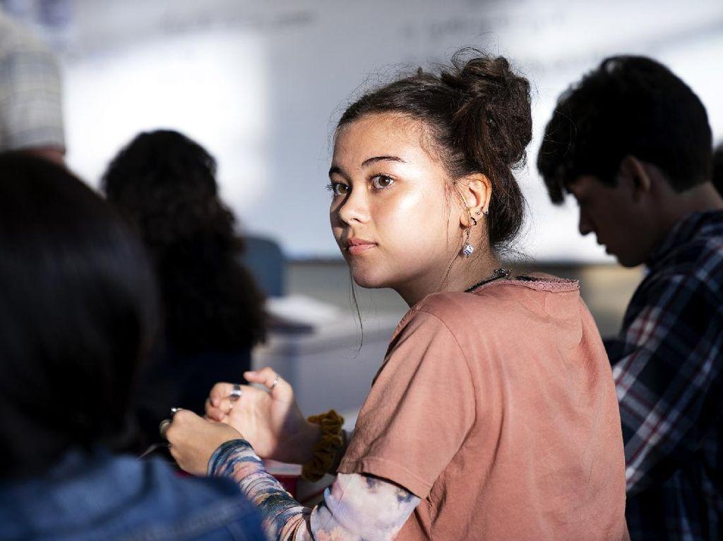Lebih Dekat dengan Lukita Maxwell, Bintang Genera+ion HBO Keturunan Indonesia