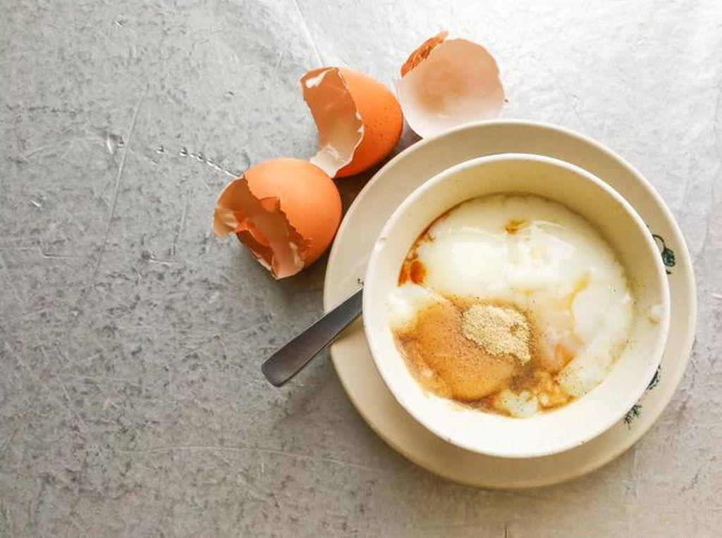 Makan Telur Setengah Matang Berisiko untuk Kesehatan, Ini Sebabnya!