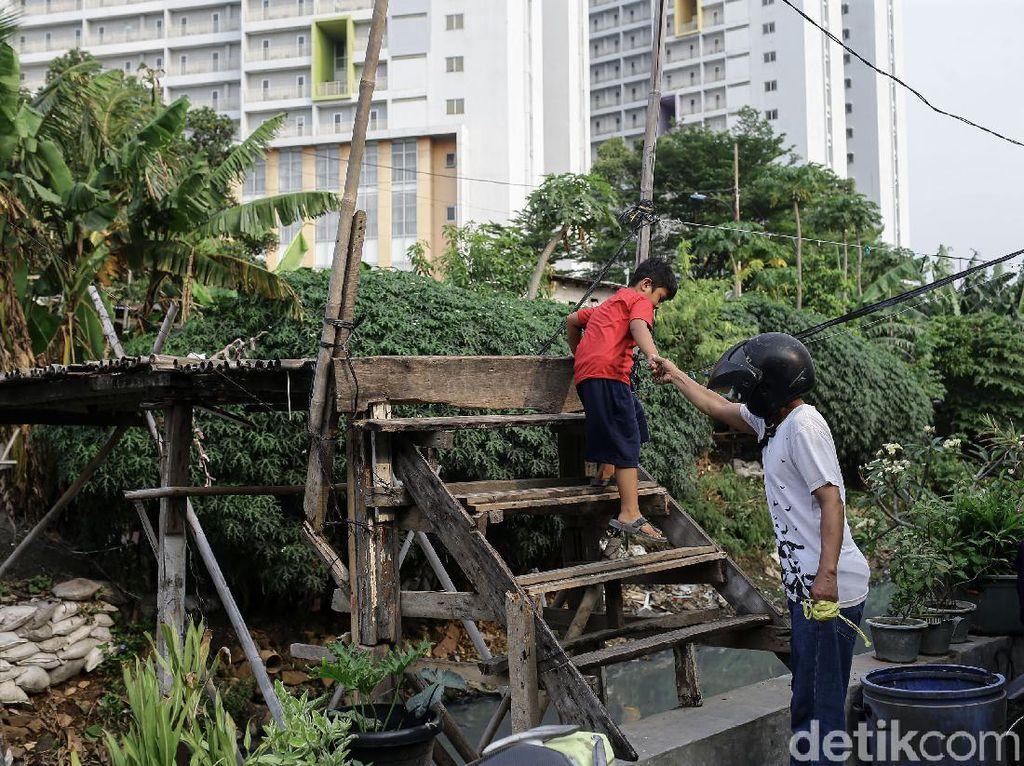 Bina Marga DKI Pastikan Bakal Perbaiki Jembatan Bambu Reyot Kebon Jeruk