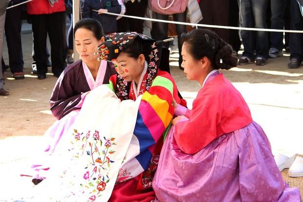 Wanita Korea enggan nikah muda