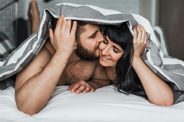 Posisi Seks yang Disukai Pria