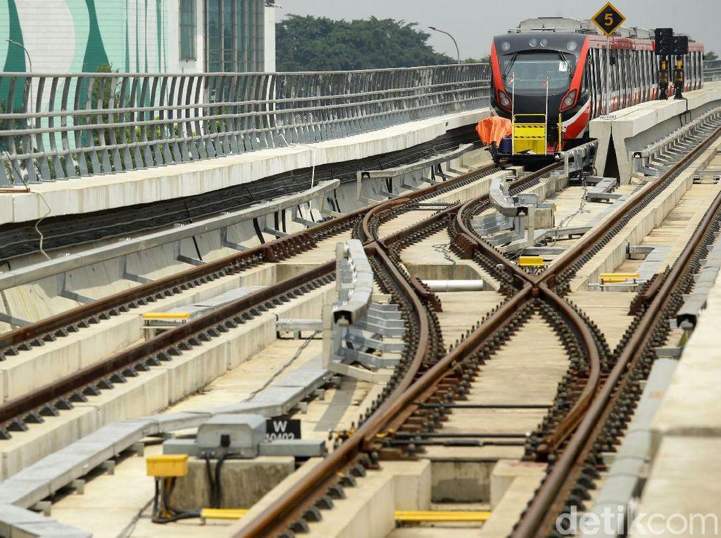 31 Rangkaian LRT Jabodebek Mulai Angkut Penumpang Juni 2022