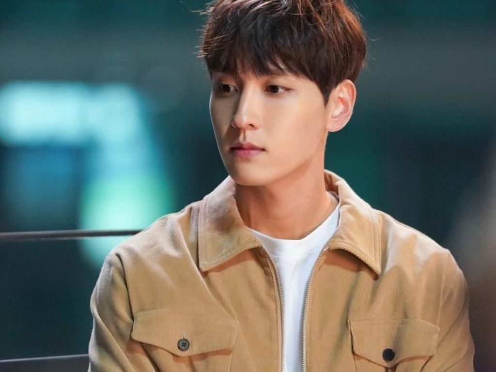 Tantangan Choi Tae Joon Akting Jadi Idol KPop di So I Married an Anti Fan