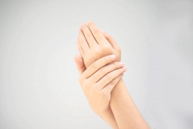 Tidak Menjaga Kebersihan Tangan