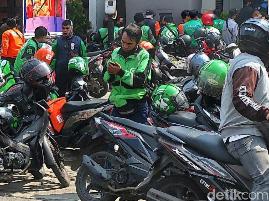 Top! Donasi ARMY untuk Driver Ojol Hari Ini Tembus Rp 200 Juta