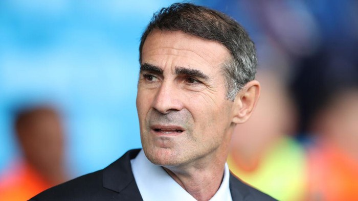 KILMARNOCK, SCOTLAND - AUGUST 04: Kilmarnock manager Angelo Alessio looks on during the Ladbrokes Premier League match between Kilmarnock and Rangers at Rugby Park on August 04, 2019 in Kilmarnock, Scotland. (Photo by Ian MacNicol/Getty Images)