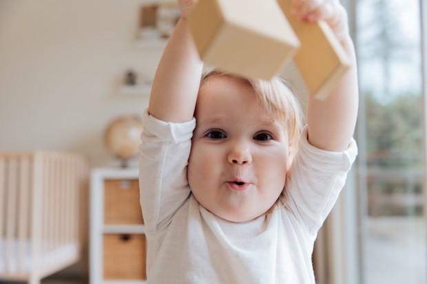 Nutrisi bayi wajib terpenuhi agar bayi selalu sehat.