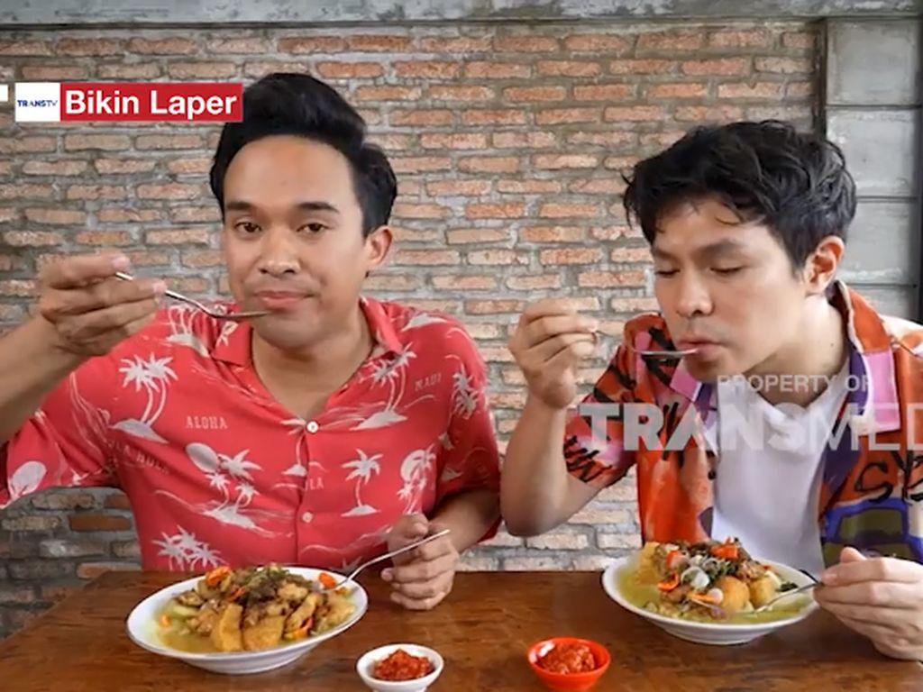 Bikin Laper! Fero Walandouw Cicip Sate Kuah Wates yang Gurih Mantul