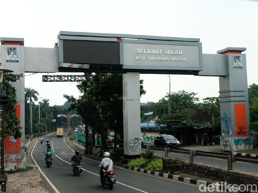 Duh, Gapura Batas Wilayah Tangsel-Jakarta Jadi Korban Vandalisme