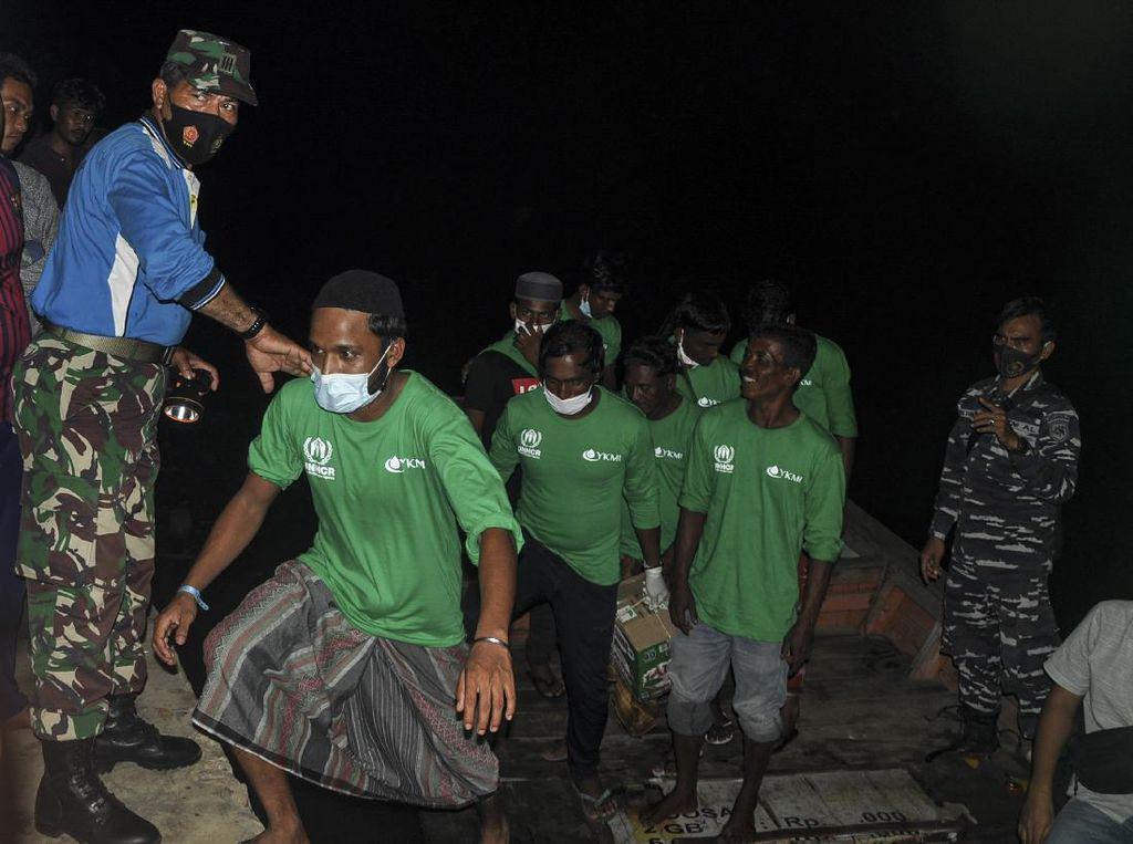 81 Pengungsi Rohingya Direlokasi ke Medan
