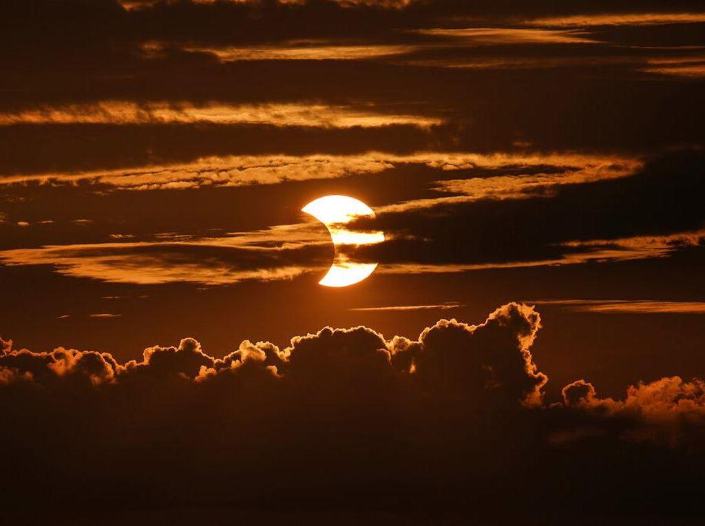 Mengenal Fenomena Aram, Senja, dan Fajar di Langit