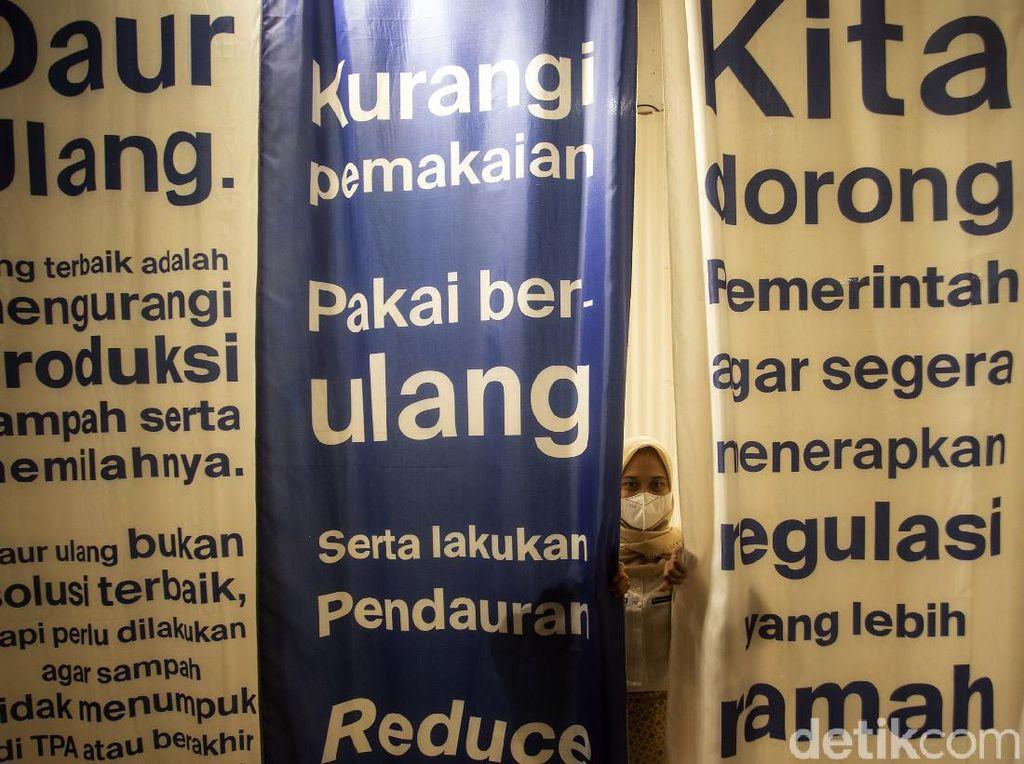 Menengok Pameran Bertema Lingkungan di Pusat Perbelanjaan Ibu Kota
