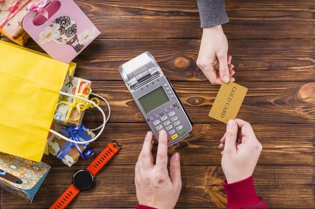 Menggambungkan segala dana membuat alokasi keuangan menjadi tidak jelas dan beresiko dana simpanan dapat terpakai.