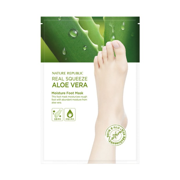 Nature Republic Real Squeeze Aloe Vera Peeling Foot Mask (sumber : naturerepublic.id)