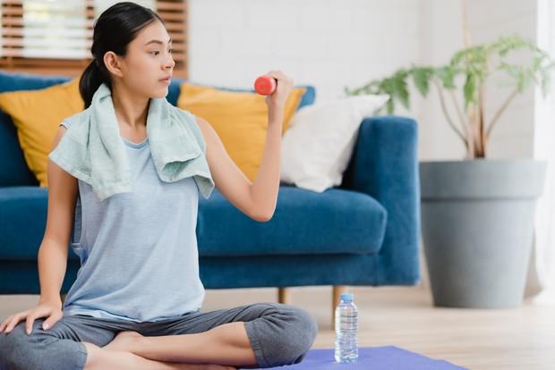 Meluangkan waktu berolahraga bisa membantu mengembalikan semangat menjalani rutinitas.