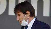 Fans MU Mau Conte? Schmeichel Ingatkan Nasib Van Gaal & Mourinho