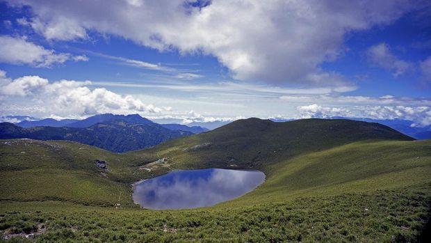 Jiaming Lake clouds Taiwan