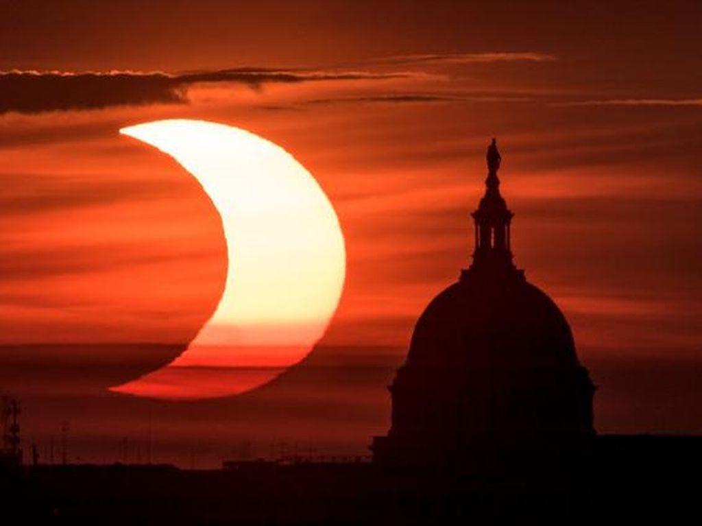 Indahnya Gerhana Matahari Cincin Api di Berbagai Negara