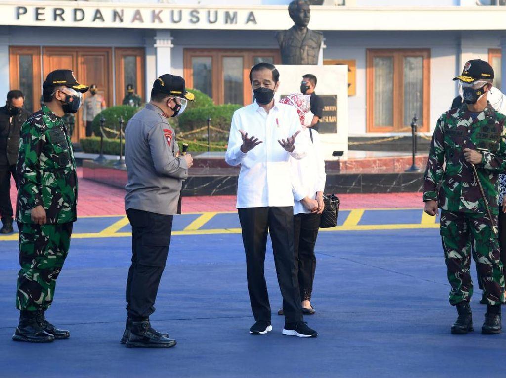 Jokowi Tinjau Bandara Soedirman hingga Vaksinasi di Semarang Hari Ini