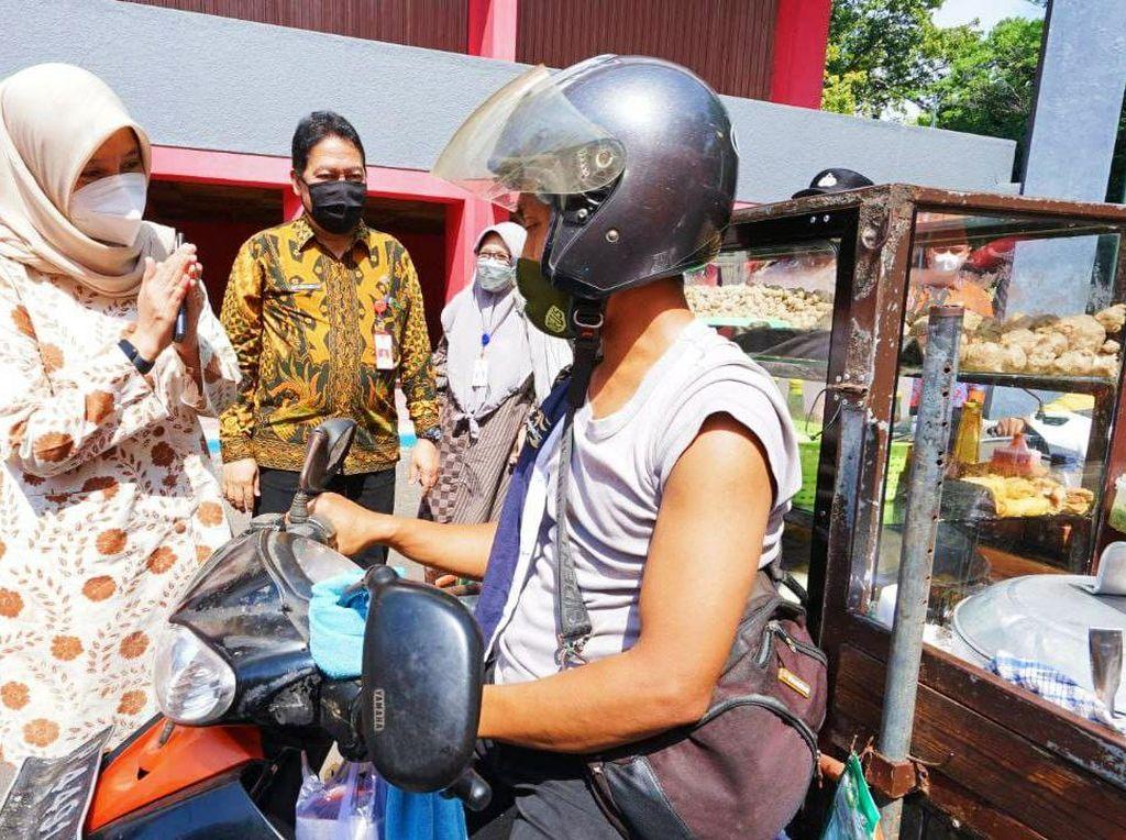 Vaksinasi Banyuwangi Capai 243.032 Warga, Strategi Jemput Bola-Drive Thru Diperkuat