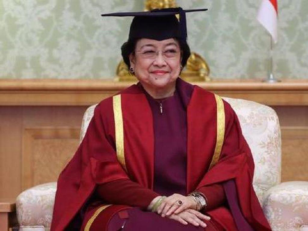 Semringah Megawati Sandang Gelar Profesor Kehormatan