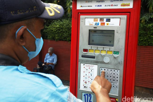 Melihat Kembali Parkir Meter Peninggalan Ahok yang Masih Beroperasi