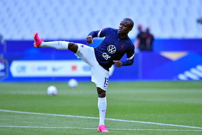 PARIS, FRANCE - JUNE 08: Ngolo Kante of France warms up befofe the international friendly match between France and Bulgaria at Stade de France on June 08, 2021 in Paris, France. (Photo by Aurelien Meunier/Getty Images)