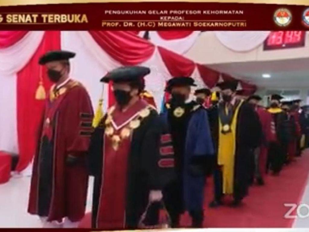 Megawati Dianugerahi Profesor Kehormatan, Prabowo hingga Nadiem Hadir