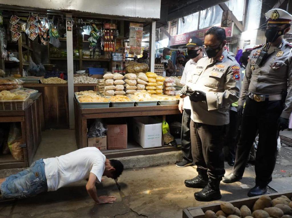 20 Ribu Masker Dibagikan ke Kampung dan Pasar Bojonegoro