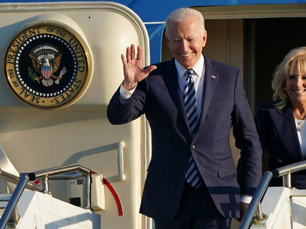 Bertemu Johnson, Biden Ingatkan Inggris Hindari Pertikaian dengan Uni Eropa