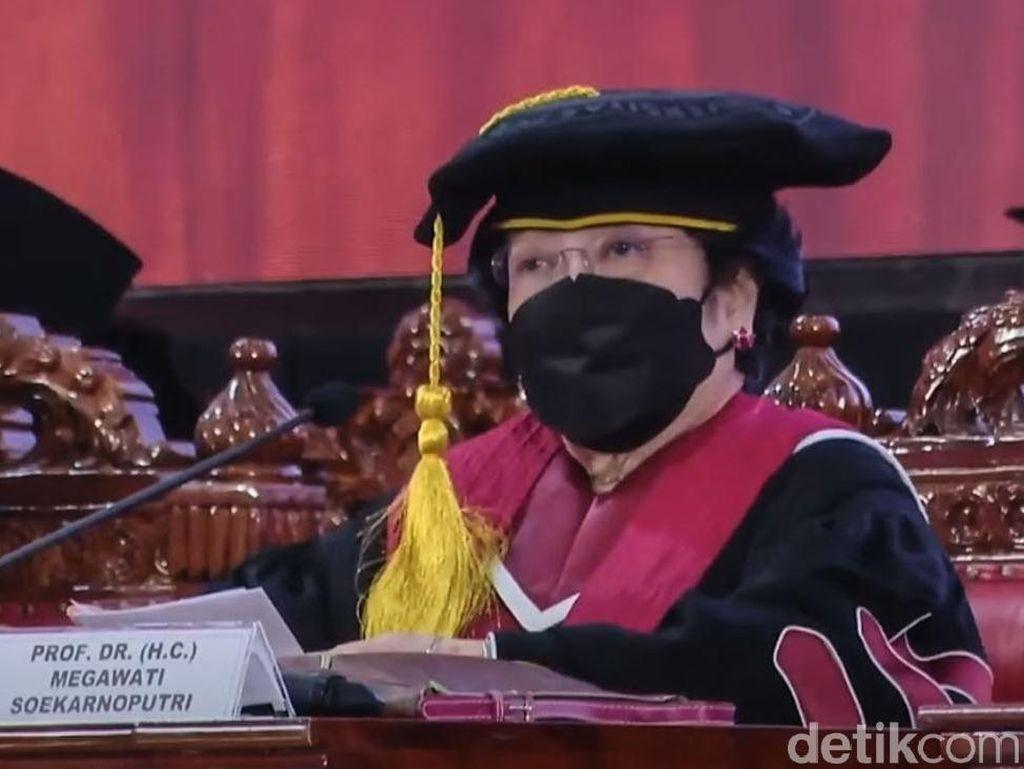 Profesor Kehormatan, Kepeloporan, dan Kekaryaan