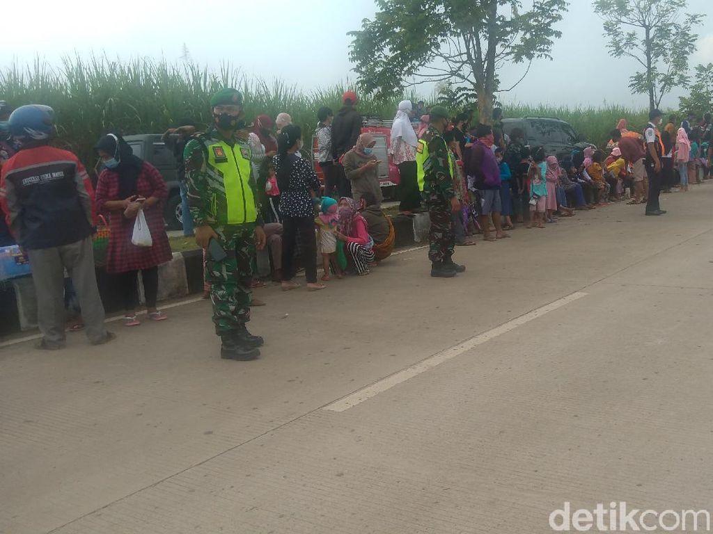 Warga Ramai-ramai ke Bandara Soedirman Demi Ketemu Jokowi, Tapi...