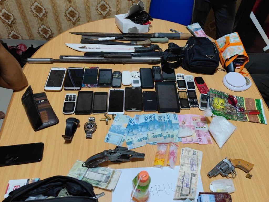 Gerebek Kampung Narkoba di Sumsel, Polisi Sita Alat Judi-Senpi Rakitan