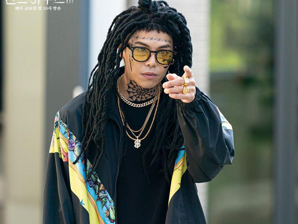 8 Foto Park Eun Seok, Gayanya Dikritik Karena Rasis di The Penthouse 3