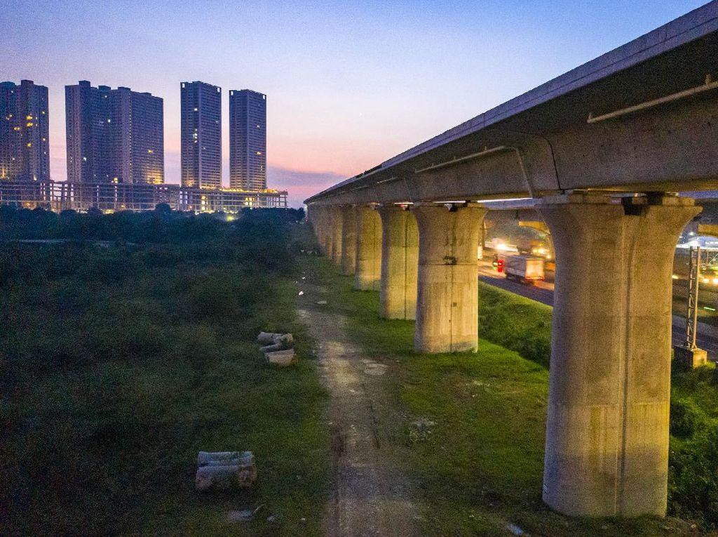 Kereta Cepat JKT-BDGDituding Proyek Jebakan China