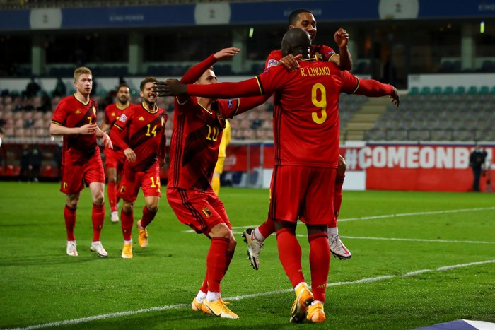 HEVERLEE, BELGIUM - NOVEMBER 18: Romelu Lukaku (#9) of Belgium celebrates scoring his teams third goal of the game with team mates during the UEFA Nations League group stage match between Belgium and Denkmark at King Power at Den Dreef Stadion on November 18, 2020 in Heverlee, Belgium. Football Stadiums around Europe remain empty due to the Coronavirus Pandemic as Government social distancing laws prohibit fans inside venues resulting in fixtures being played behind closed doors. (Photo by Dean Mouhtaropoulos/Getty Images)