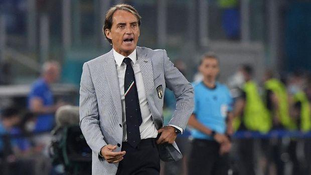 Soccer Football - Euro 2020 - Group A - Turkey v Italy - Stadio Olimpico, Rome, Italy - June 11, 2021 Italy coach Roberto Mancini Pool via REUTERS/Alberto Lingria
