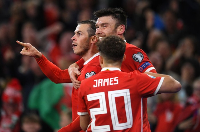 CARDIFF, WALES - OCTOBER 13: Gareth Bale of Wales(L) celebrates scoring his teams first goal during the UEFA Euro 2020 Qualifier between Wales and Croatia at the Cardiff City Stadium on October 13, 2019 in Cardiff, Wales. (Photo by Harry Trump/Getty Images)
