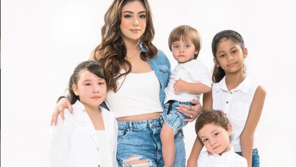 10 Potret Cantik Celine Evangelista, Tetap Seksi Meski Punya 4 Anak