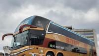 Mengenal Bus Quad Axle: Punya 4 Poros Roda, Apa Kelebihannya?