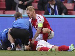 Denmark vs Finlandia Lanjut Usai Eriksen Kolaps, Legenda MU Ini Ngamuk!