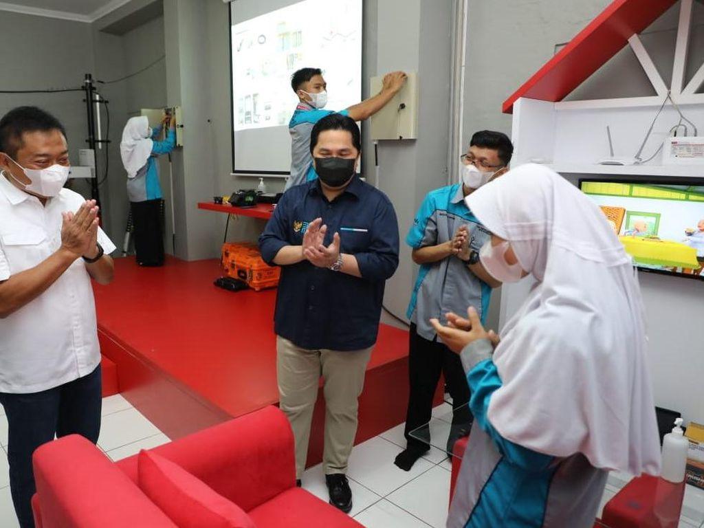 Telkom Sediakan Laboratorium Fiber Optic di SMK Tasikmalaya