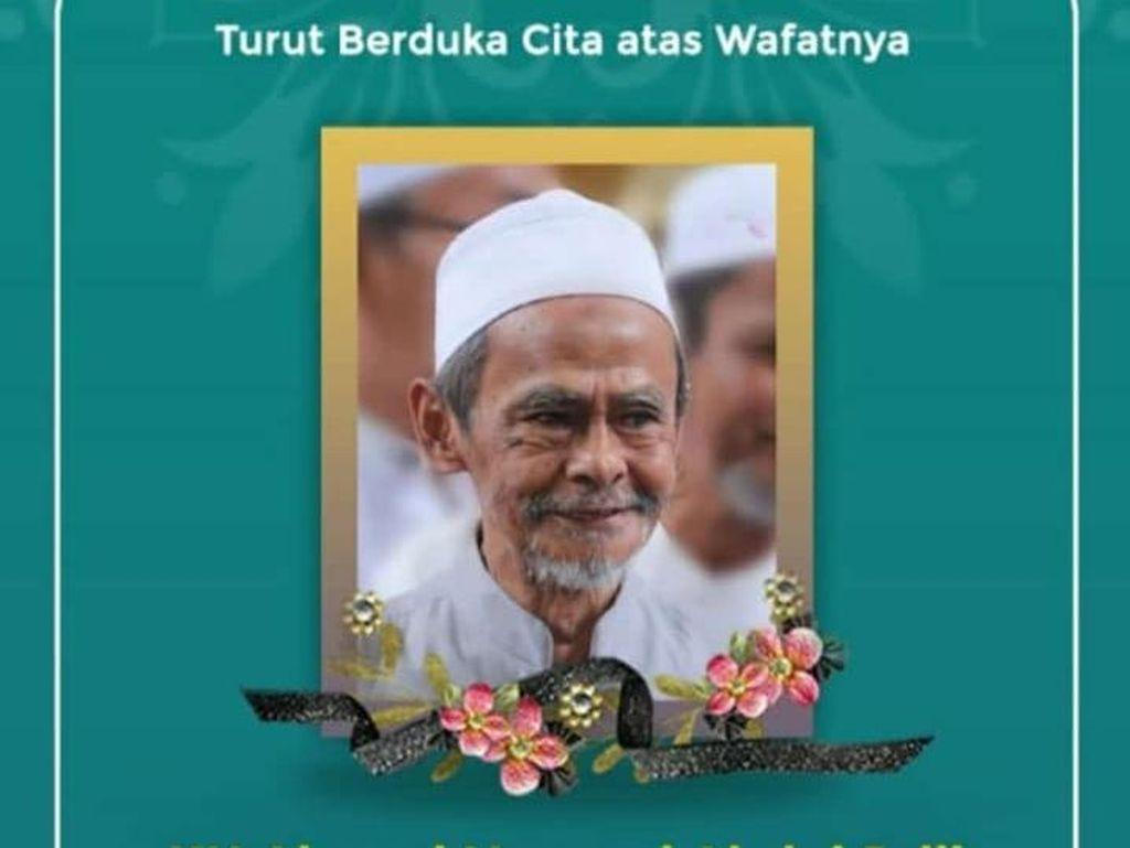 KH Nawawi Abdul Jalil Pengasuh Ponpes Sidogiri Pasuruan Wafat