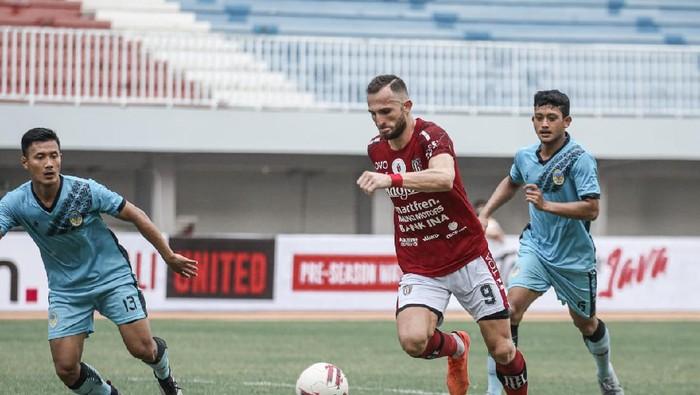 Bali United vs PSIM Yogyakarta untuk memajukan sepakbola terutama di kawasan Jateng-DIY